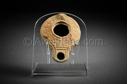 Roman highly decorated terracotta oil lamp, 100-300 AD
